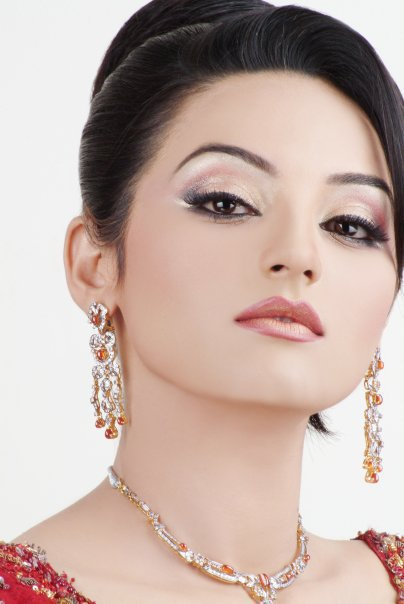 Quick Makeup For Wedding Party : Sadia Khan Pictures - Photo Gallery - XciteFun.net
