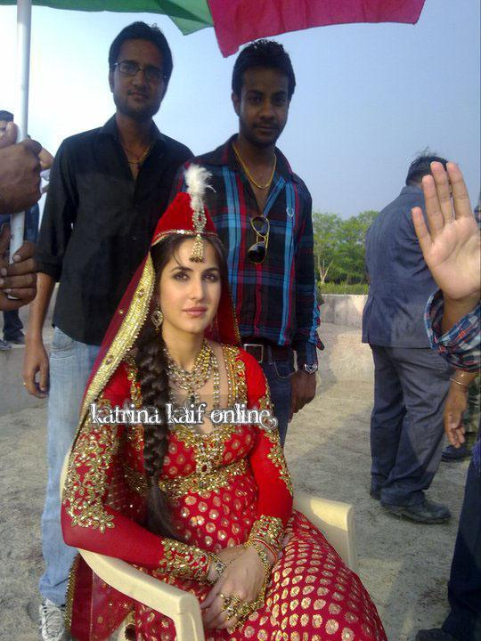 Mere Brother Ki Dulhan Movie Shooting Spot Stills.... : Indian ...