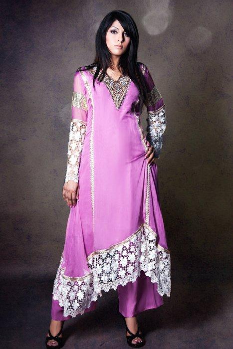 New Fashion Dresses in Pakistan