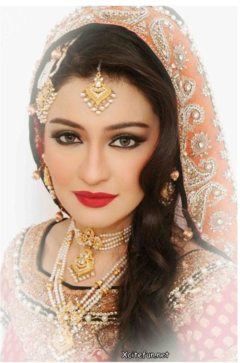 Latest Bridal Makeup Trend and Jewelry - Khawar Riaz ...