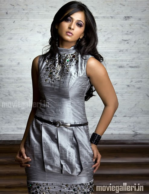 http://img.xcitefun.net/users/2011/07/257488,xcitefun-anushka-shetty-hot-photo-shoot-stills-im.jpg