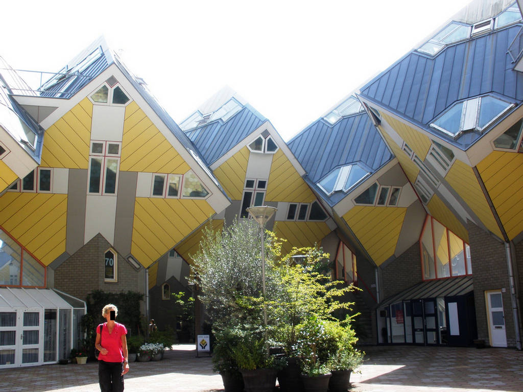 Cube houses most extreme design images for Cubi spaceo