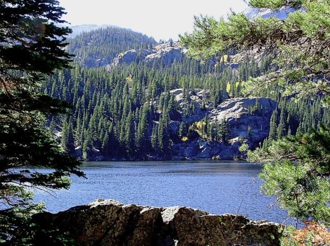 Большой медведь озеро