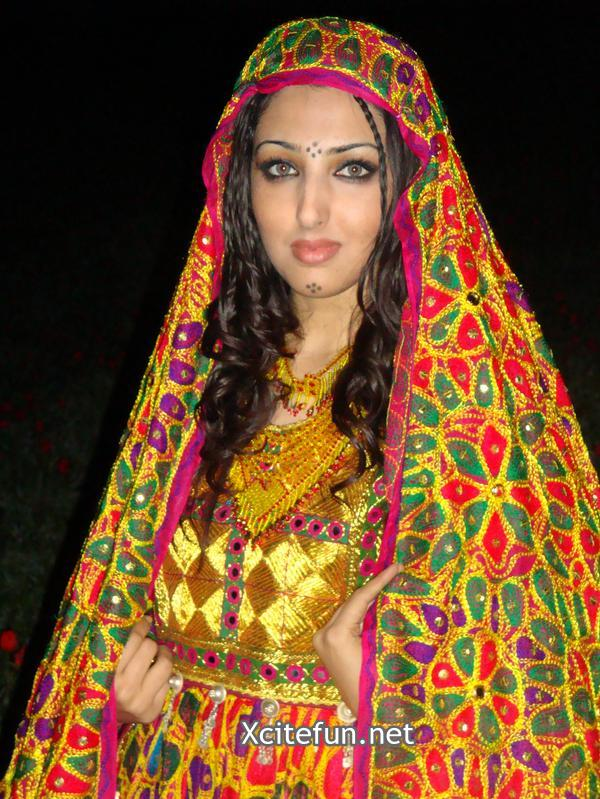 Seeta Qasemi Afghan Music Singer In Fashionable