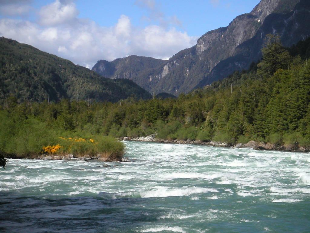 263004xcitefun futaleufuriverpic 4 - Futaleufu River-World's Beautiful River
