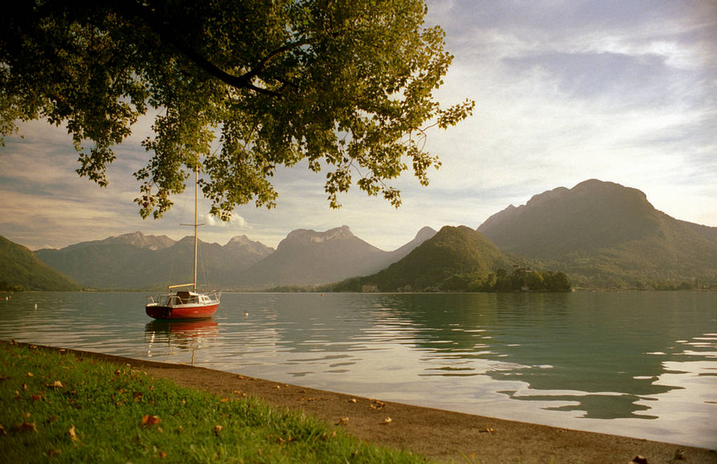 263596xcitefun lake annecy 1 - Lake Annecy France