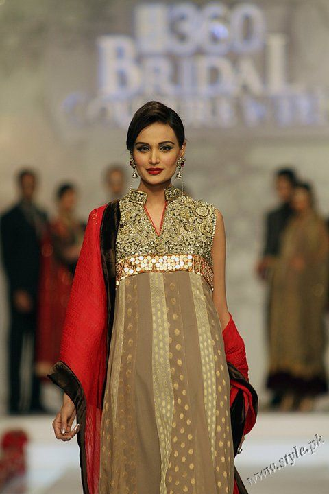 Collection By Deepak Perwani In Bridal Couture Week
