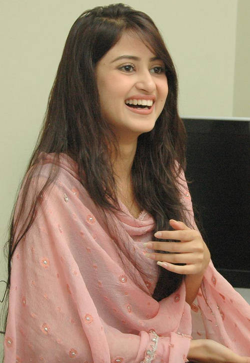 Sajal Ali - Photo Gallery - Biography - Pakistani Actress