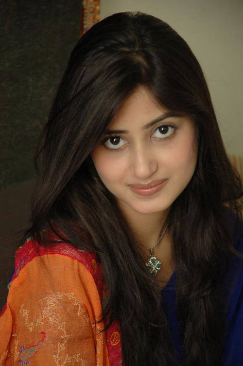 Sajal Ali  Photo Gallery  Biography  Pakistani Actress