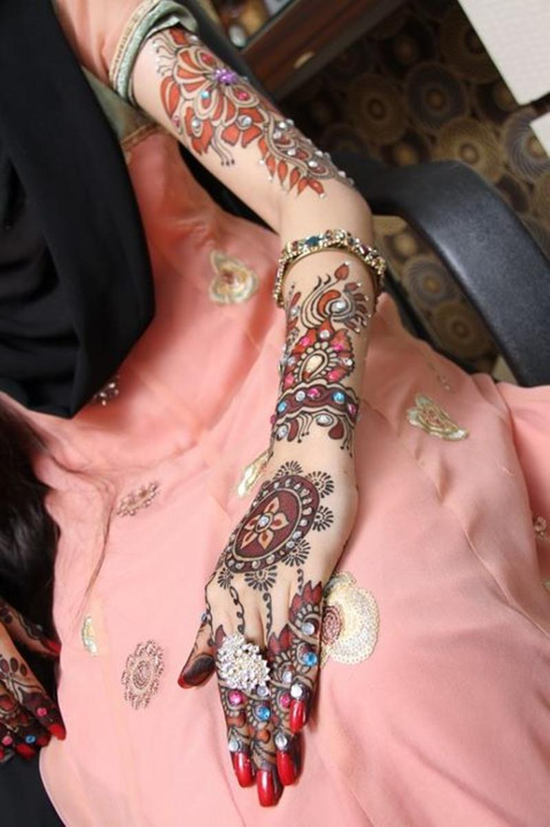 New Trend Bridal Paint Mehndi Designs By Mona Shekhani