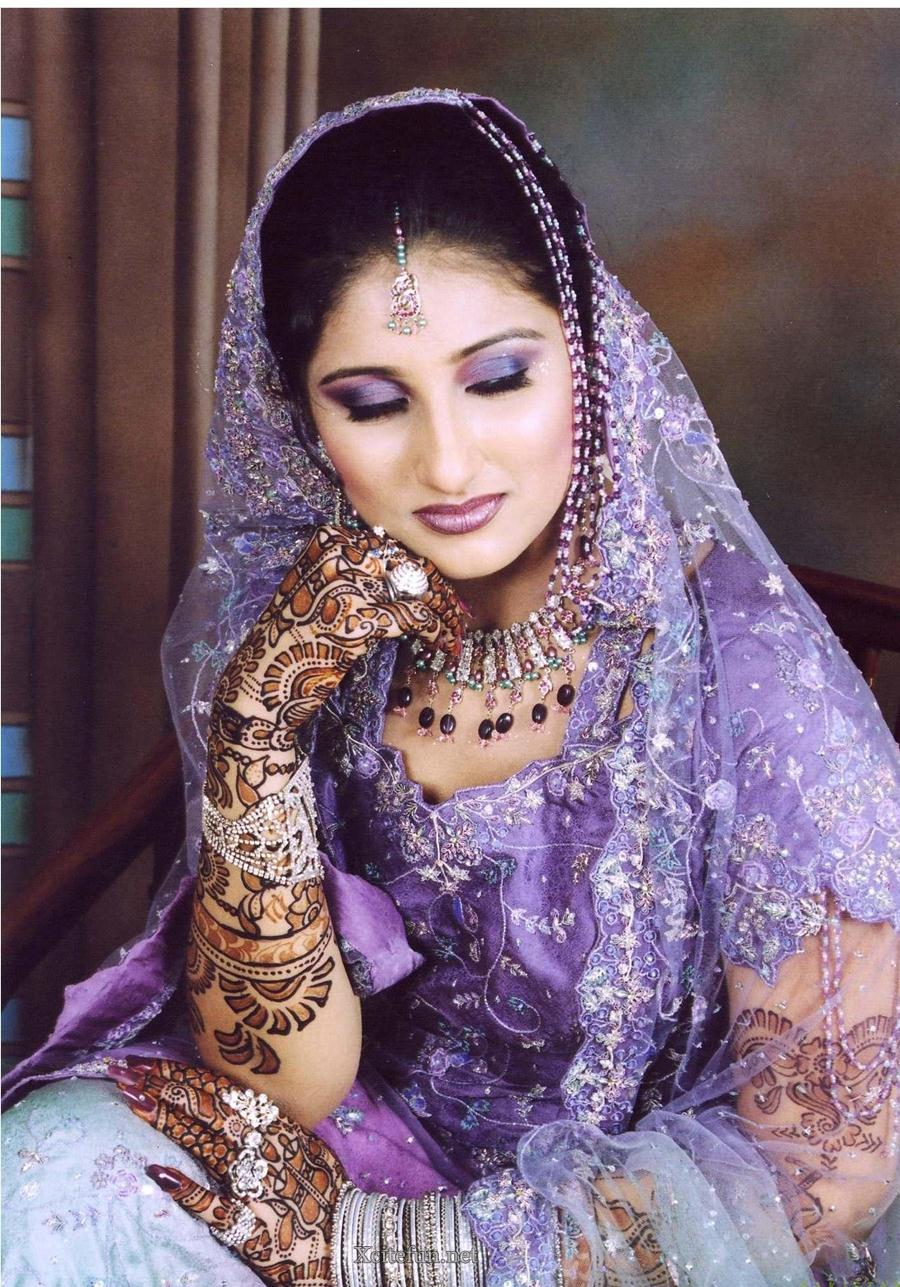 Disin Makeup: Bridal Glorious Mehndi Design Makeup Look And Dress 2011
