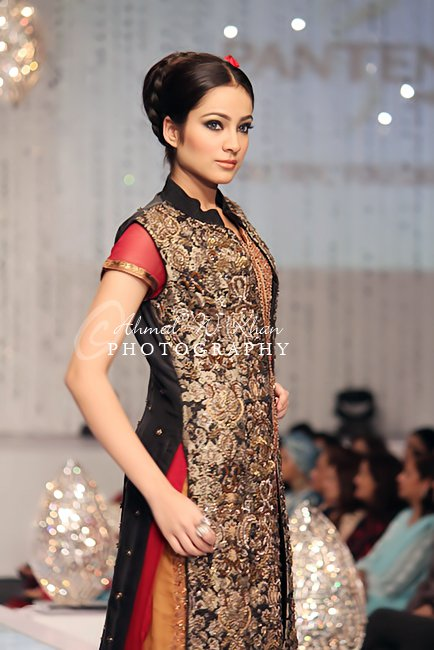 latest collection of bridal couture week karachi 2011
