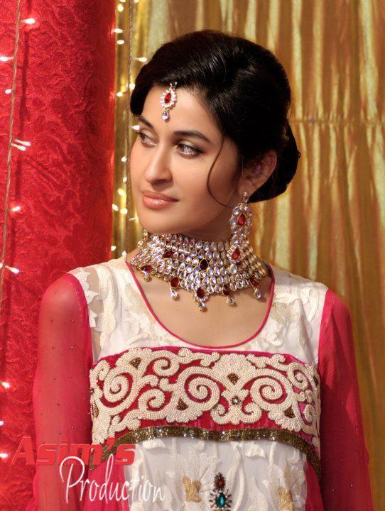 Shaista Wahidi Dresses
