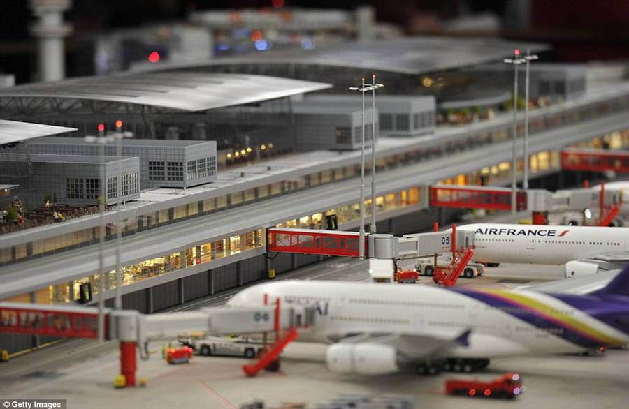 how to build a mini airport gmcd