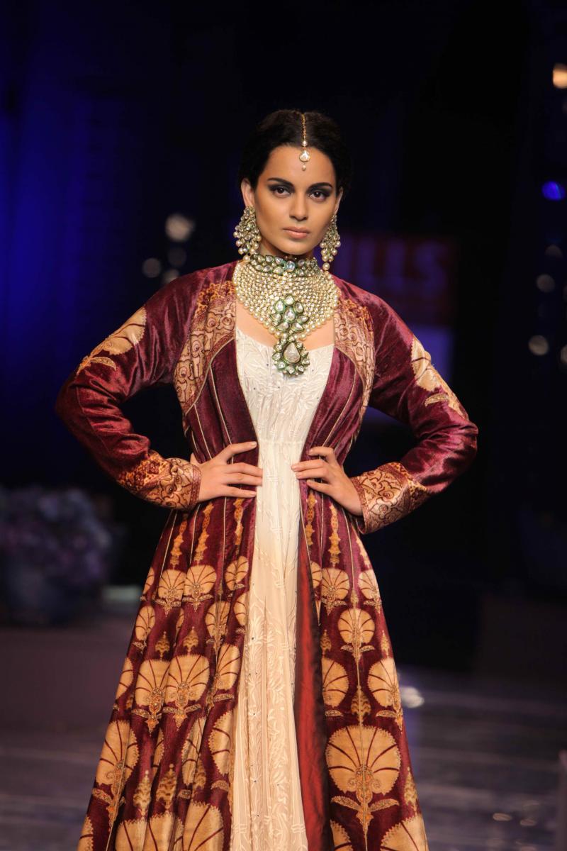 Kangana Ranaut Fashion Show Pictures - XciteFun.net