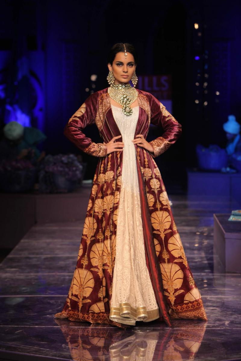Kangana Ranaut Fashion Show Pictures