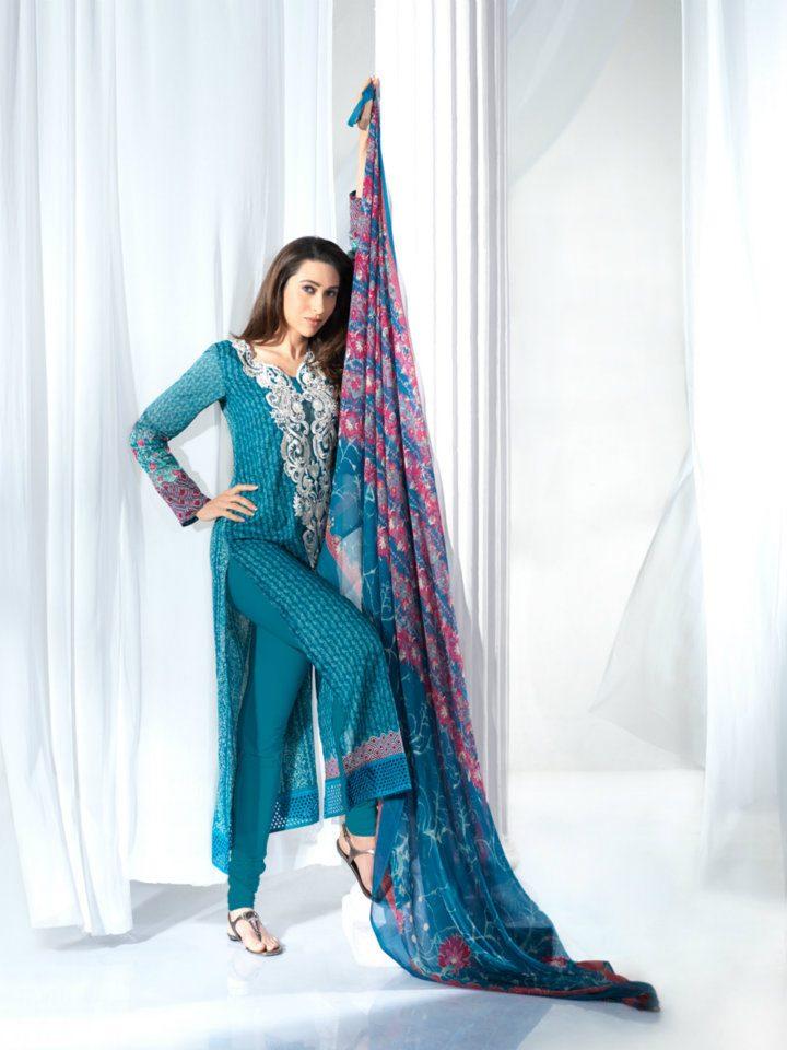 Karishma Kapoor - Stránka 2 285027,xcitefun-karisma-crescent-lawn-3