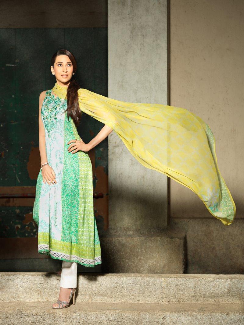 Karishma Kapoor - Stránka 2 285028,xcitefun-karisma-crescent-lawn-1