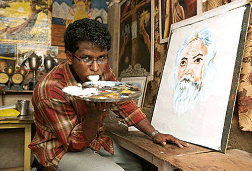 Indian Artist Paints with His Tongue