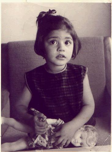 Nazia Hassan Childhood Pictures - Rare Collection