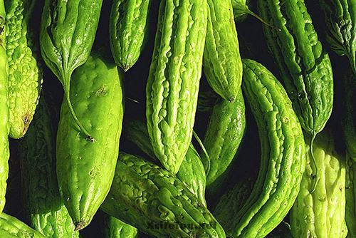 Bitter Gourd or Bitter Melon Types and Benefits