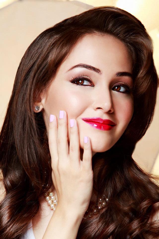 Glitter eye makeup tips glitter eye makeup ideas - Shimmer Smokey Glitter Eye Makeup With Dark Lipstick
