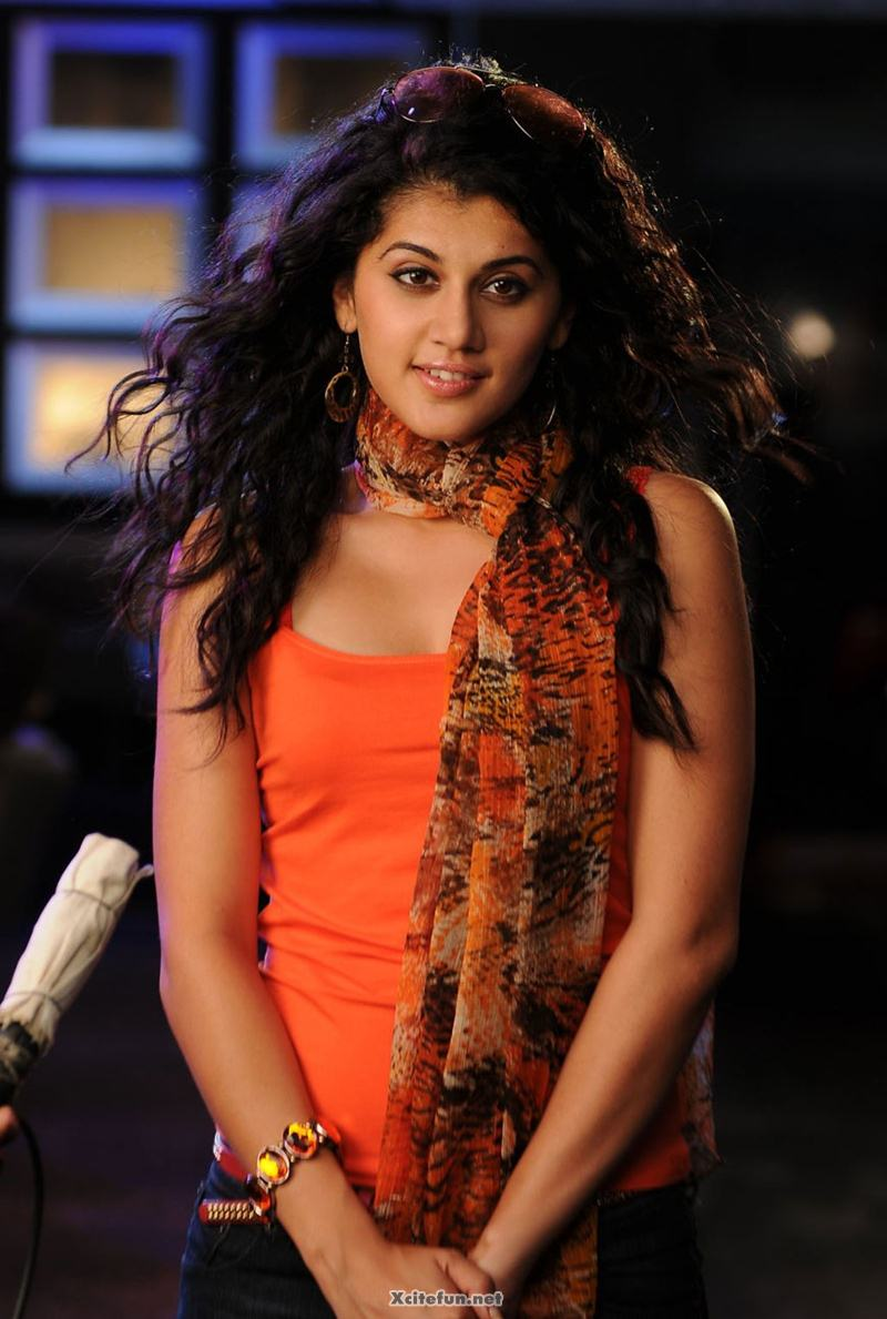 Taapsee Pannu In Curly Hairstyle Xcitefun Net