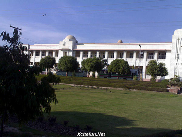 Nishtar Medical College Multan  Gallary amp Detail