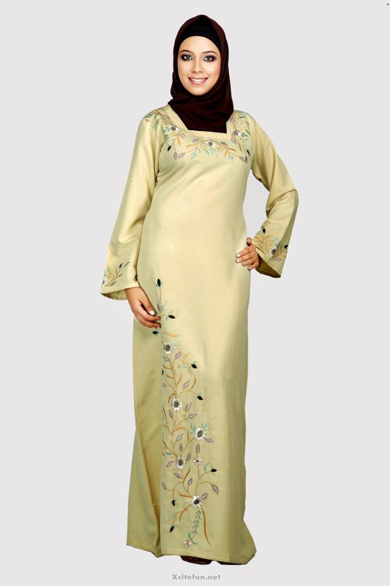 Arabic Dress With Headscarf - XciteFun.net