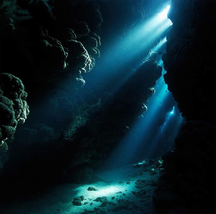 Underwater Alien Spaceship Photography