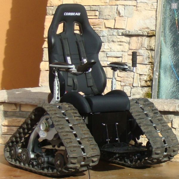 The tank chair off road wheelchair - Fauteuil roulant chenille ...