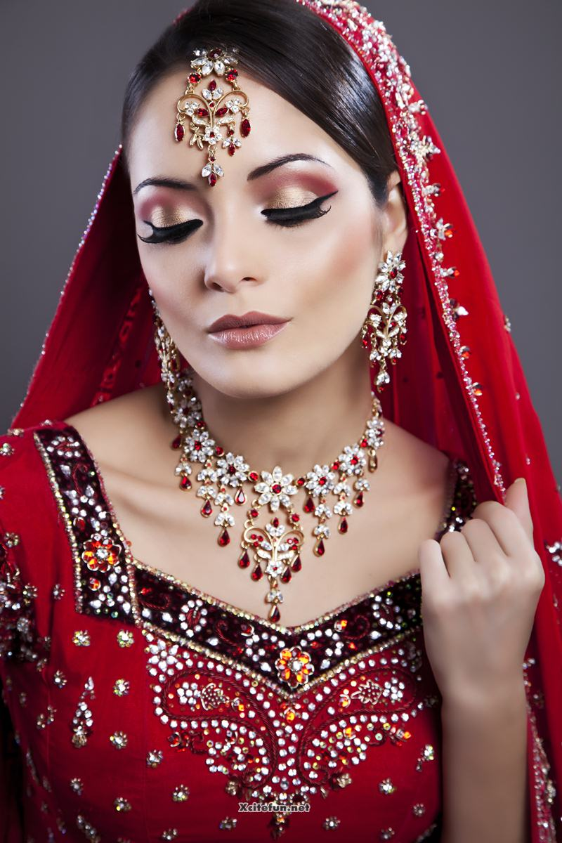 Wedding Dressup And Makeup : Asian Bridal Eye Makeup Jewelry And Hairstyle - XciteFun.net