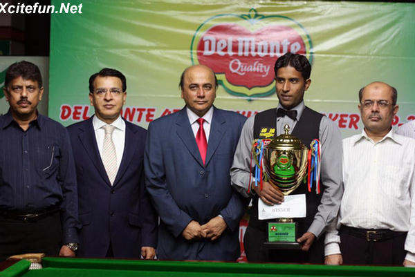 Pride Of Pakistan  MAsif Wins World Snook Championship