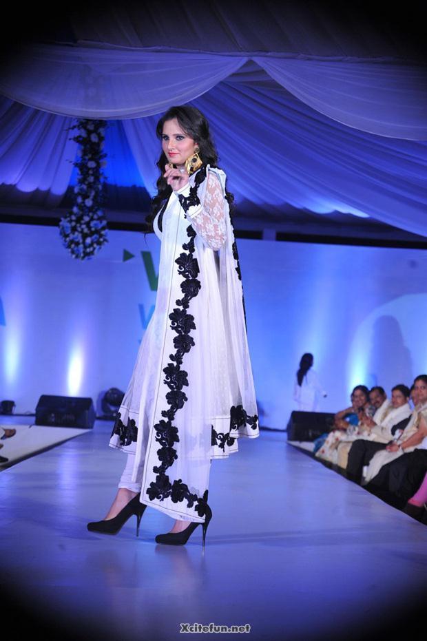 Sania Mirza In White Dress On Ramp Xcitefun Net