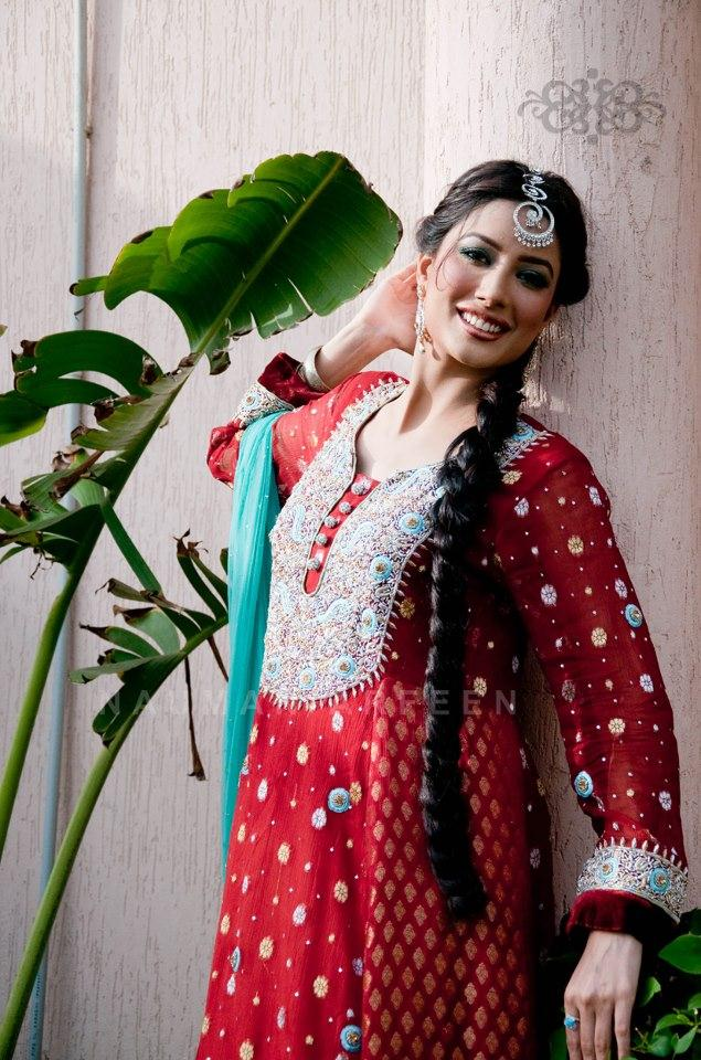 Mehwish Hayat Awesome Pics For Magazine
