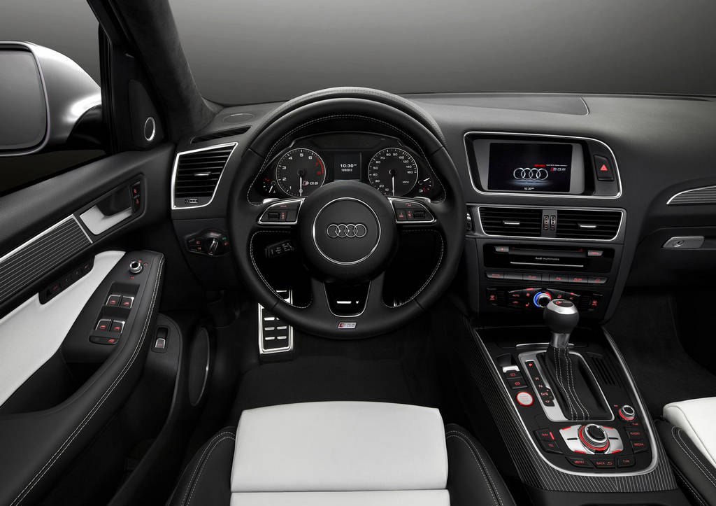 Audi SQ5 30 TFSI Car 2014 Wallpapers