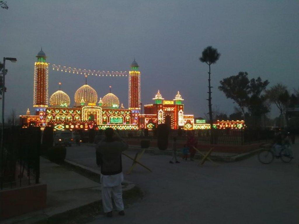 Markazi Jamia Masjid, Wah Cantt (Night View) - XciteFun net