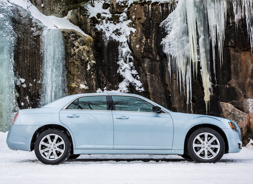 Chrysler 300 Glacier 2013  Car Wallpapers