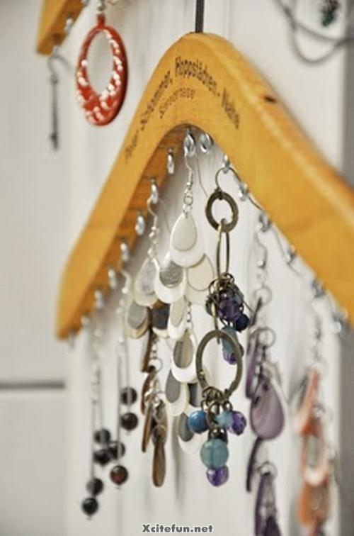 Lovely Idea To Display Your Jewelry