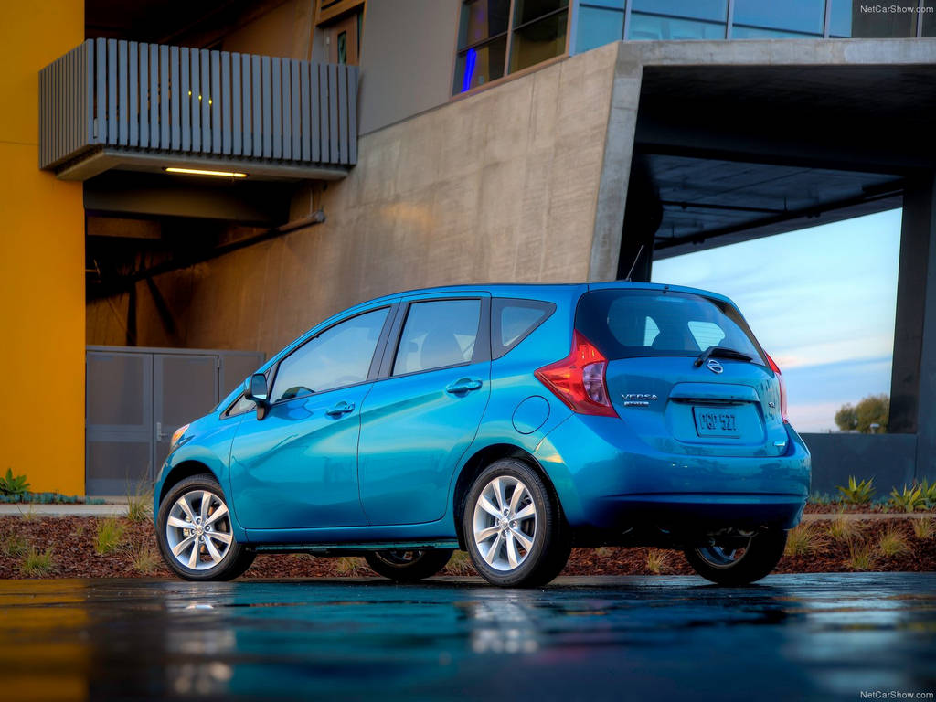 Nissan Versa Note 2014  Car Wallpapers