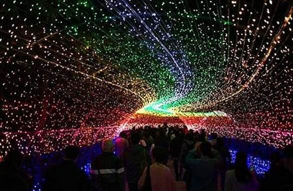Mind-Blowing Look at Japan'-s High-Tech Winter Lights Festival ...