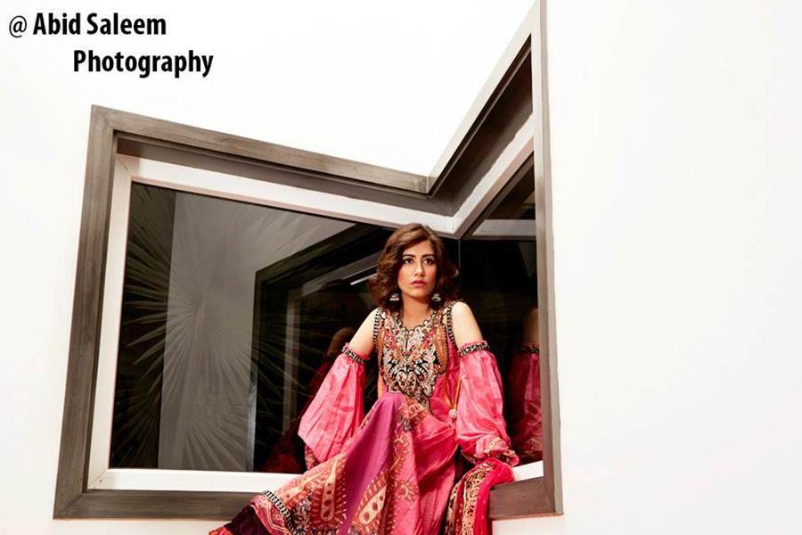 Syra Yousuf Photo Shoot For Summer Llawn