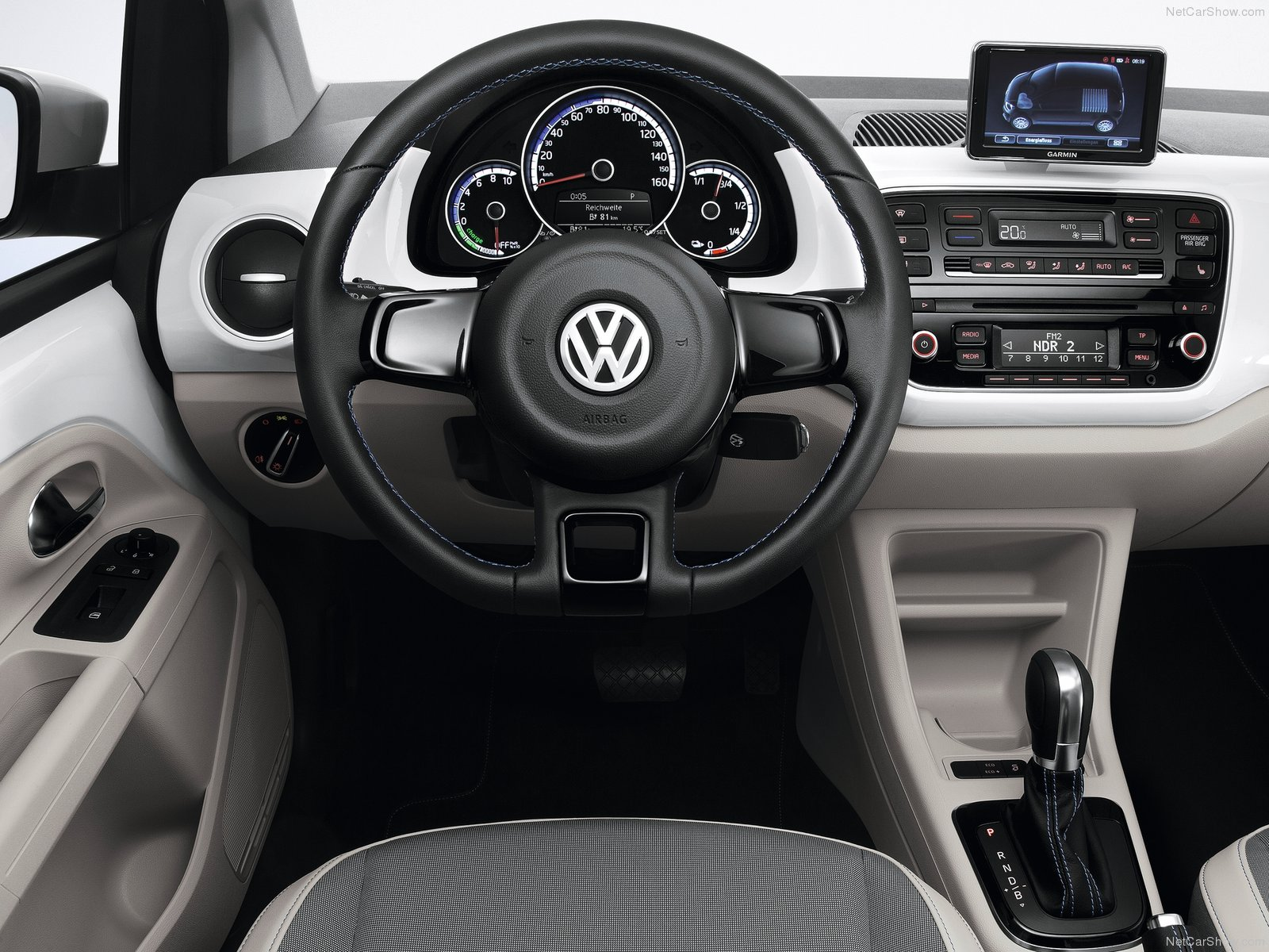 Volkswagen eUp 2014  Car Wallpapers