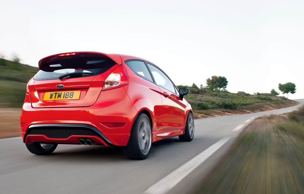 Ford Fiesta ST 2013  Car Wallpapers