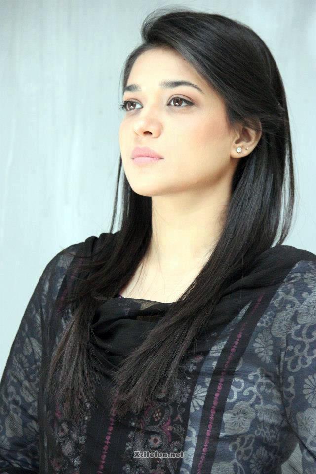 Hum tv actress pic