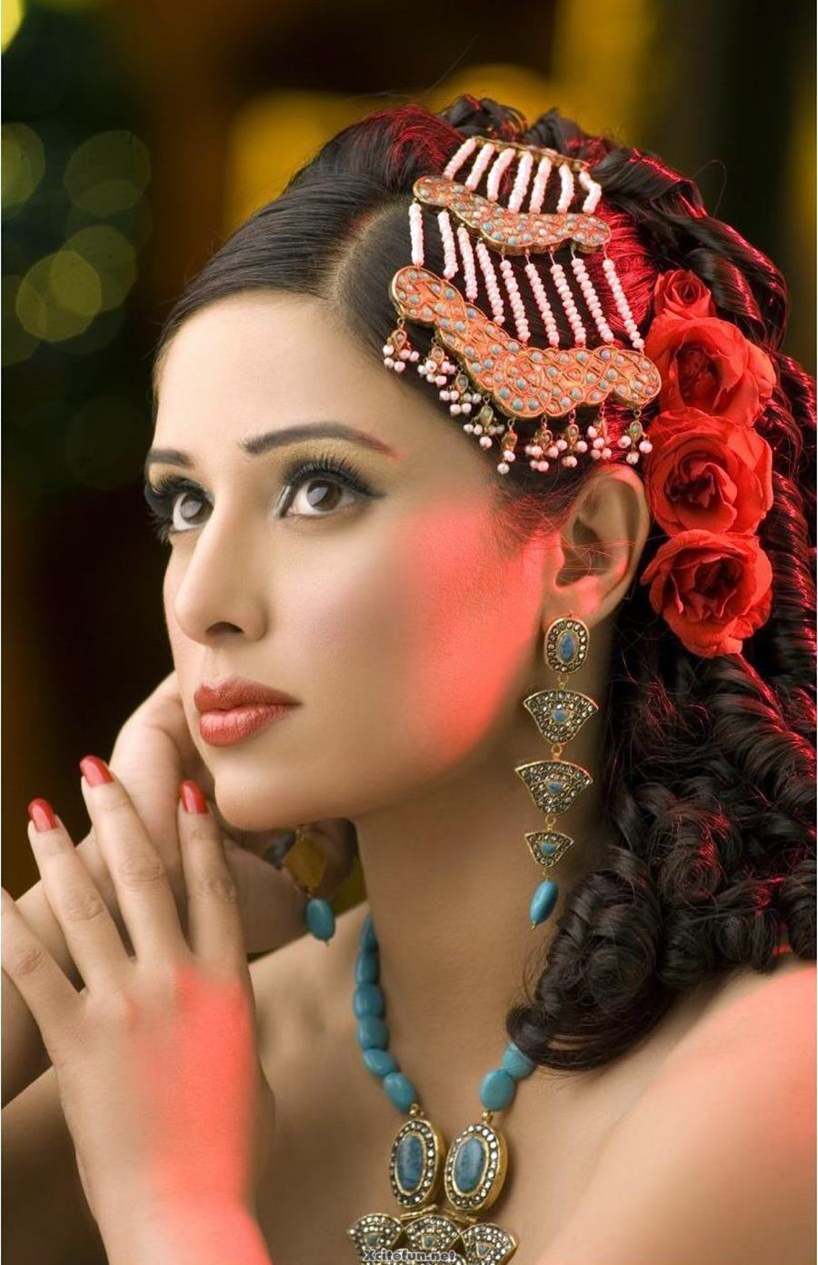 How To Do Bridal Makeup And Hairstyle : Asian Bridal Makeup And Jewelry Pics - XciteFun.net