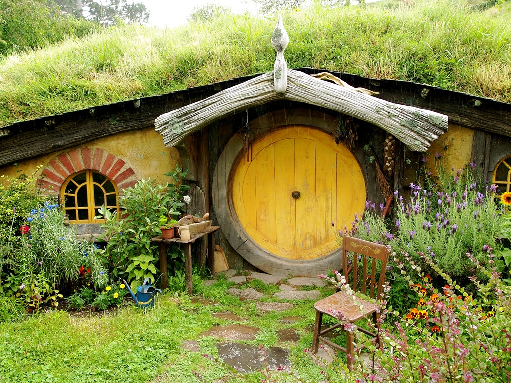 Hobbit Houses - Beautiful Designing - XciteFun.net