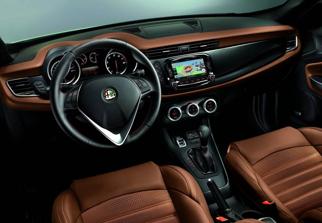 Alfa Romeo Giulietta 2014  Car Wallpapers