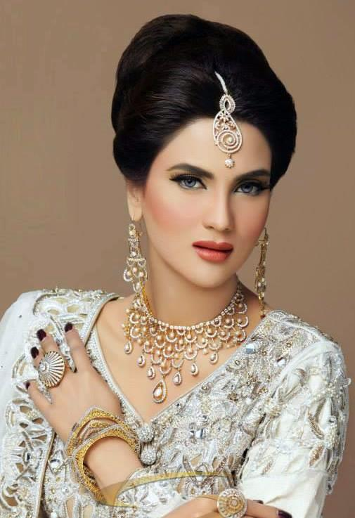 Fiza Ali shoot for Bridal Collection 2013 by Sunar ...