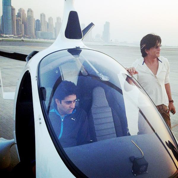 Shahrukh Khan Skydive Dubai Xcitefun Net